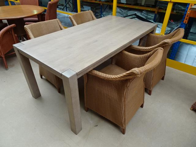 4 lloyd loom stoelen naturel met rechthoekige tafel